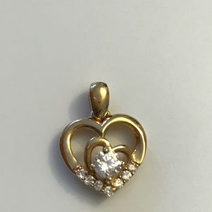 New*Pretty 18k gold white sapphire heart pendant